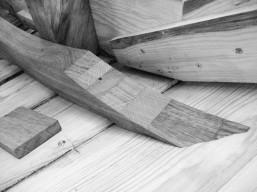 Clinker dinghy floor joint